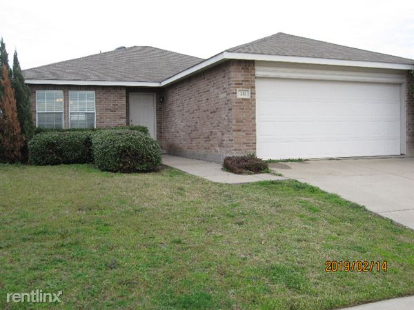 217 Silver Lake Trail, Fort Worth, TX