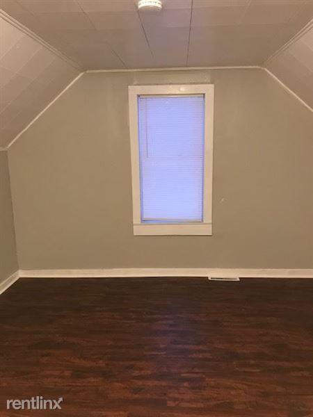 Upstairs-Bedroom 3
