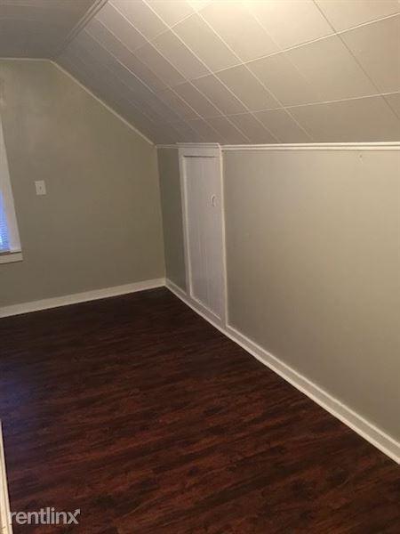 Upstairs-Bedroom 2