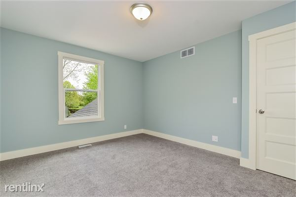 020-photo-bedroom-2779372