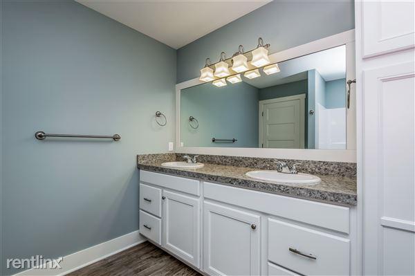 023-photo-bathroom-2779379