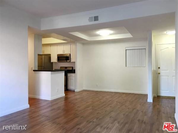 14430 Benefit St Apt 202, Sherman Oaks, CA