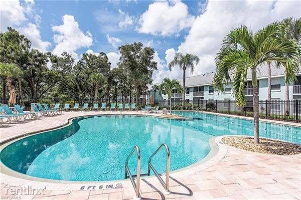 157 Wading Bird Cir K-205, Naples, FL
