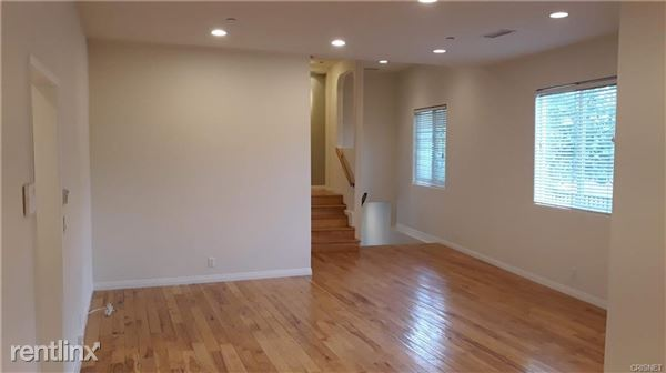 4218 Noble Ave, Sherman Oaks, CA