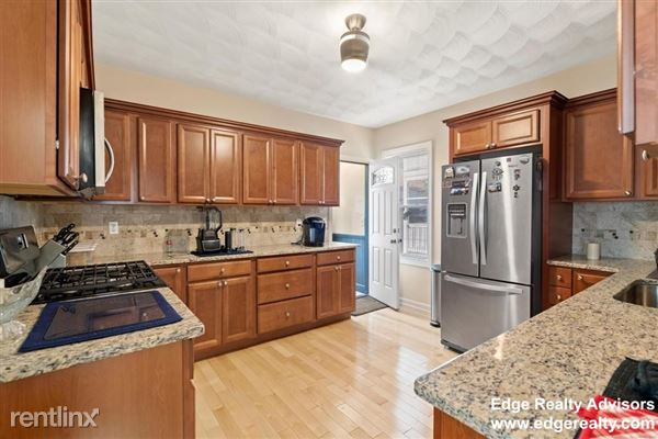55 Easton St # 2, Allston, MA