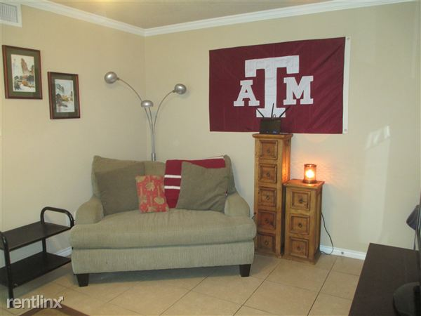 2339 Autumn Chase Loop Unit D, College Station, TX