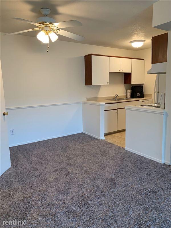Knob Hill Apartments - 1 - IMG_3688