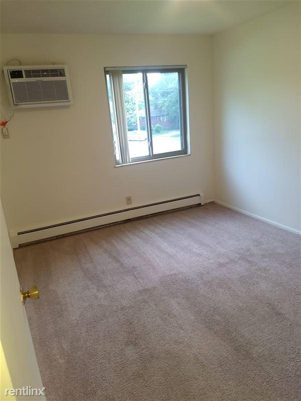 Okemos Village Apartments - 7 - Bedroom
