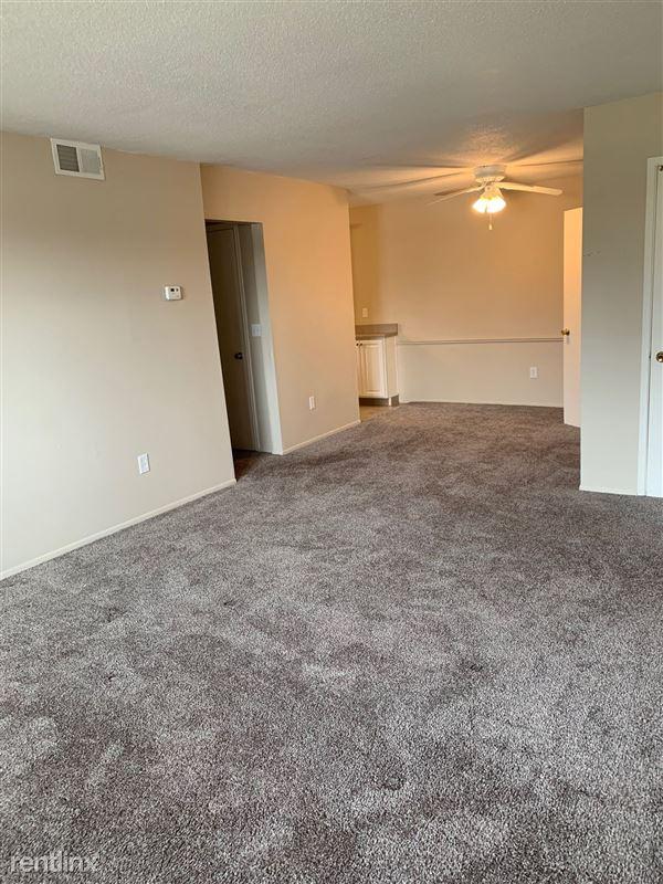 Knob Hill Apartments - 2 - Living Room