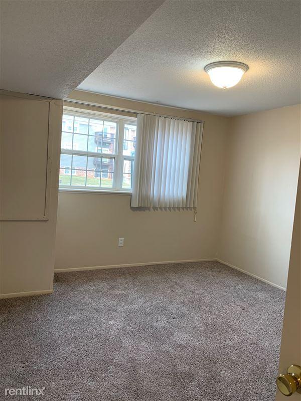 Knob Hill Apartments - 4 - Bedroom