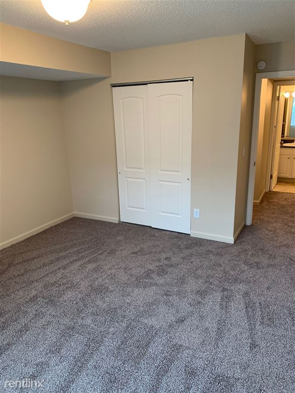 Knob Hill Apartments - 3 -