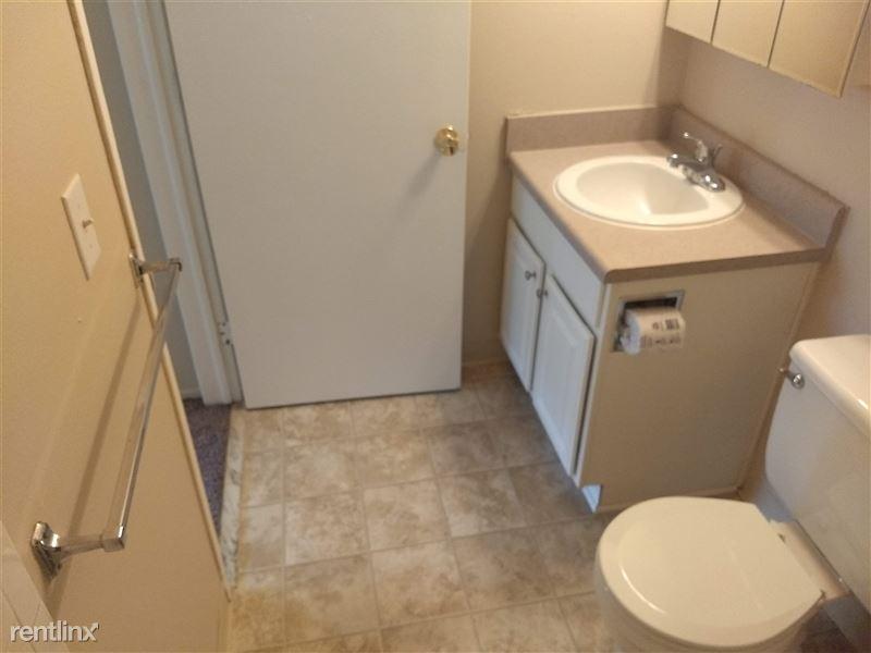 Knob Hill Apartments - 5 -