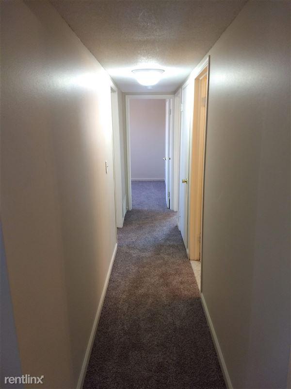 Knob Hill Apartments - 6 - Hall