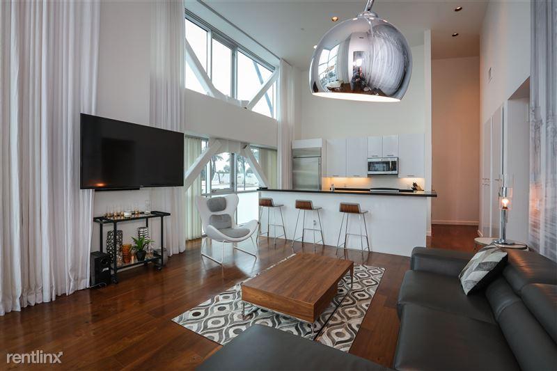 Blu Beverly Hills - 4 - 301 living room