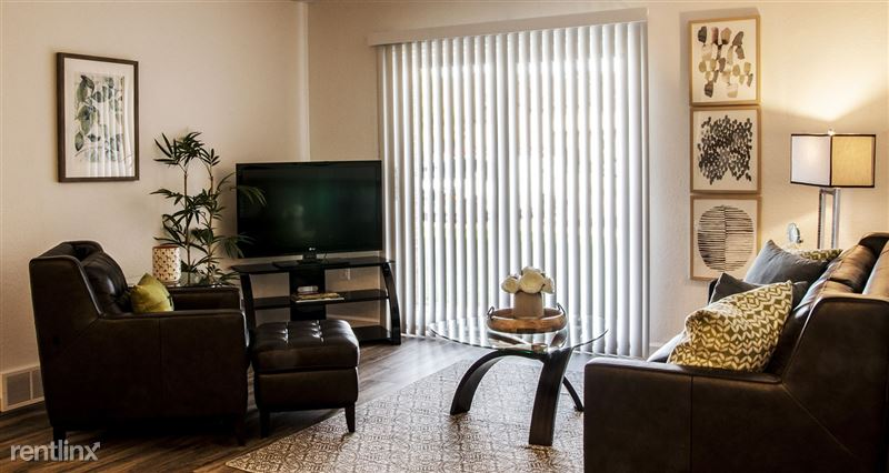 Furnished/Turnkey Suites @ Oak Hill Apartments - 9 - DSC_8832(1)