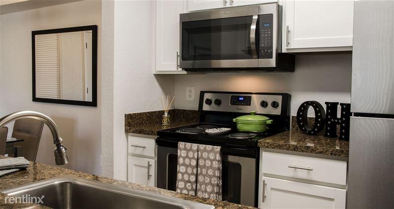 Furnished/Turnkey Suites @ Oak Hill Apartments - 2 - DSC_8864(1)