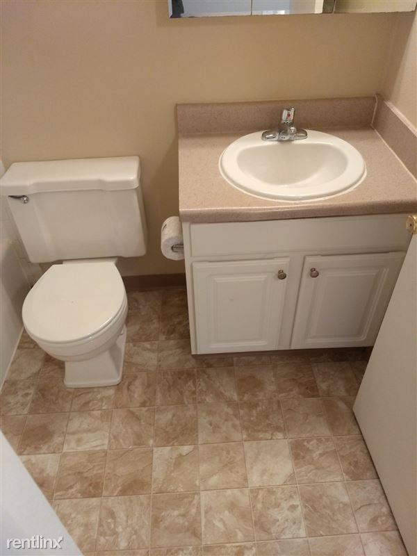 Knob Hill Apartments - 1 - Bathroom 2