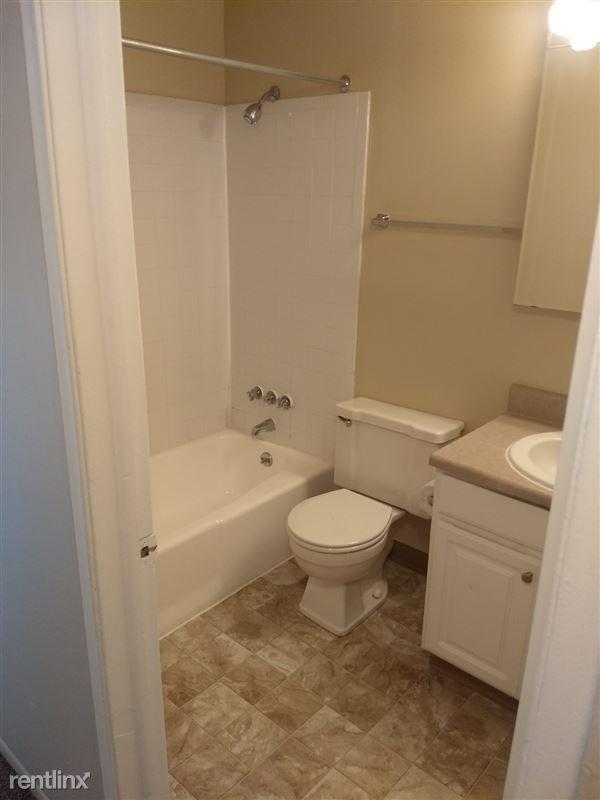 Knob Hill Apartments - 2 - Bathroom