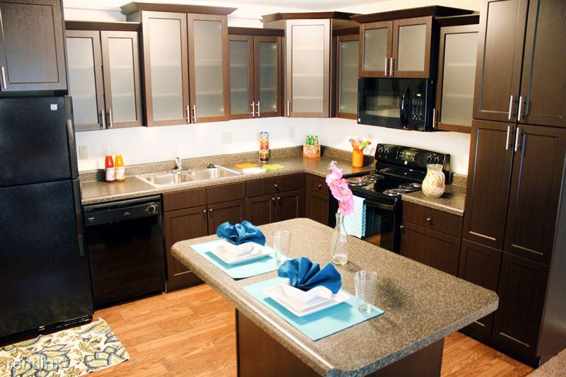 Americana Apartments B - 1 - americana_kitchen_2