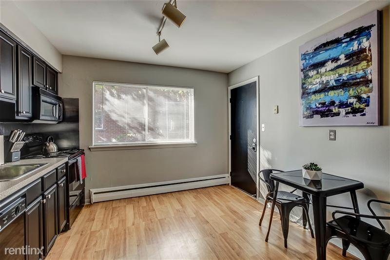Furnished Suites in Clawson/Troy - 3 - 005-629WMapleRd7-Clawson-MI-48017-full