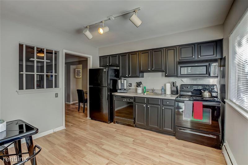 Furnished Suites in Clawson/Troy - 4 - 006-629WMapleRd7-Clawson-MI-48017-full