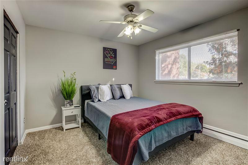 Furnished Suites in Clawson/Troy - 6 - 010-629WMapleRd7-Clawson-MI-48017-full