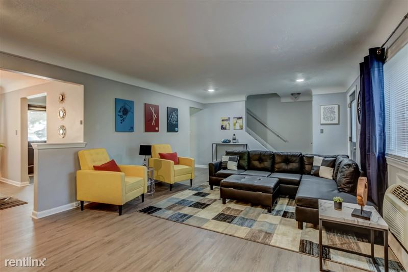 Furnished Suites in Clawson/Troy - 1 - Living Space Angle 2