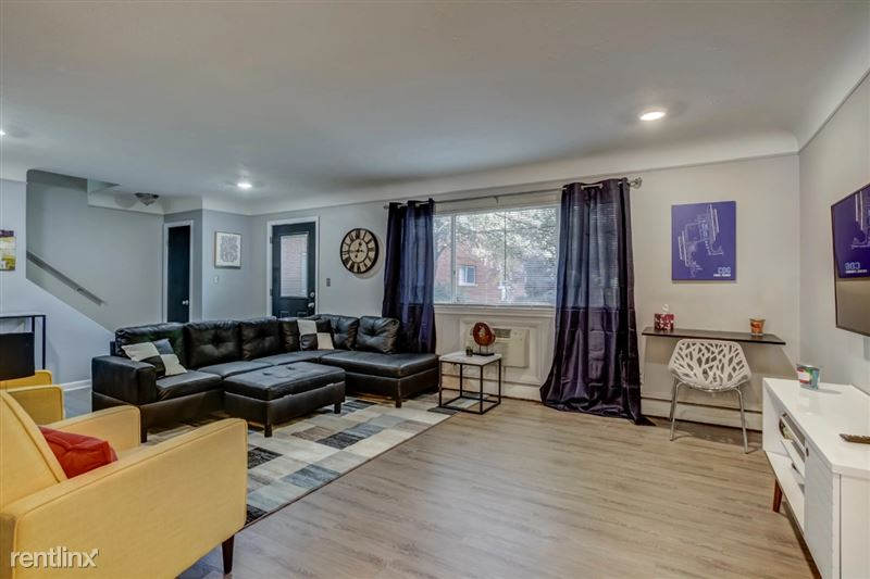 Furnished Suites in Clawson/Troy - 2 - Living Space Angle 4