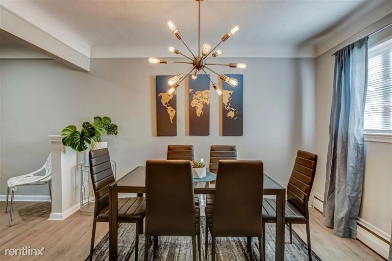 Furnished Suites in Clawson/Troy - 6 - Dining Area