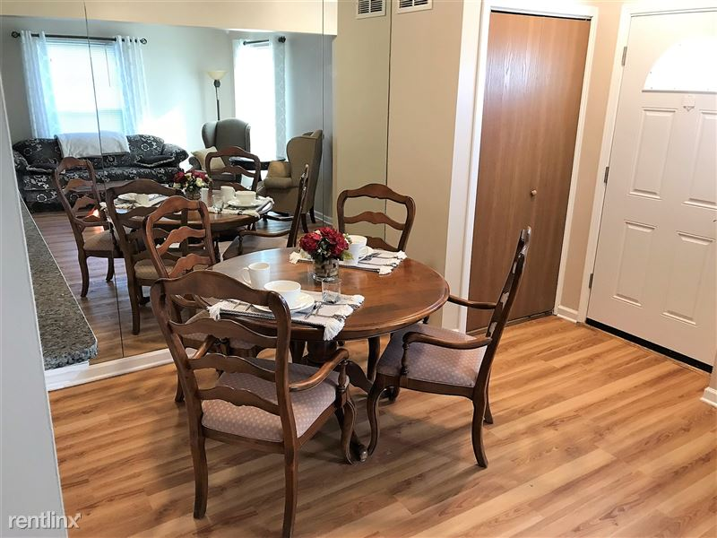 Flex-Lease/Furnished Condo w/ Den and Basement - 1 - IMG_0307