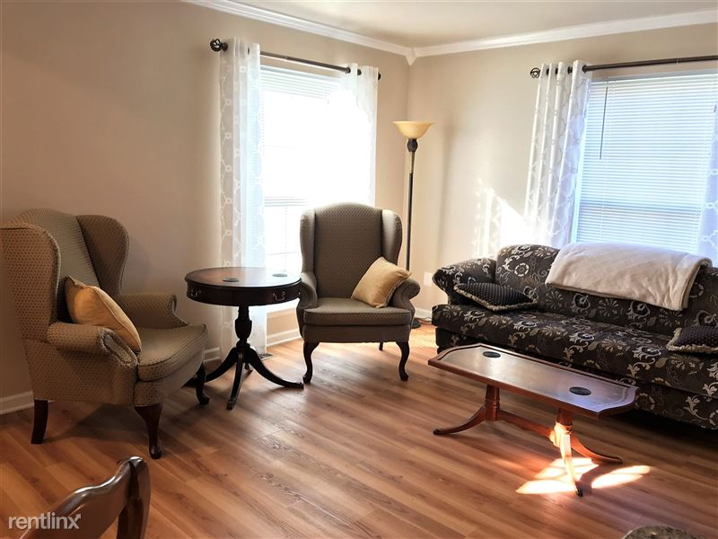 Flex-Lease/Furnished Condo w/ Den and Basement - 9 - IMG_0348