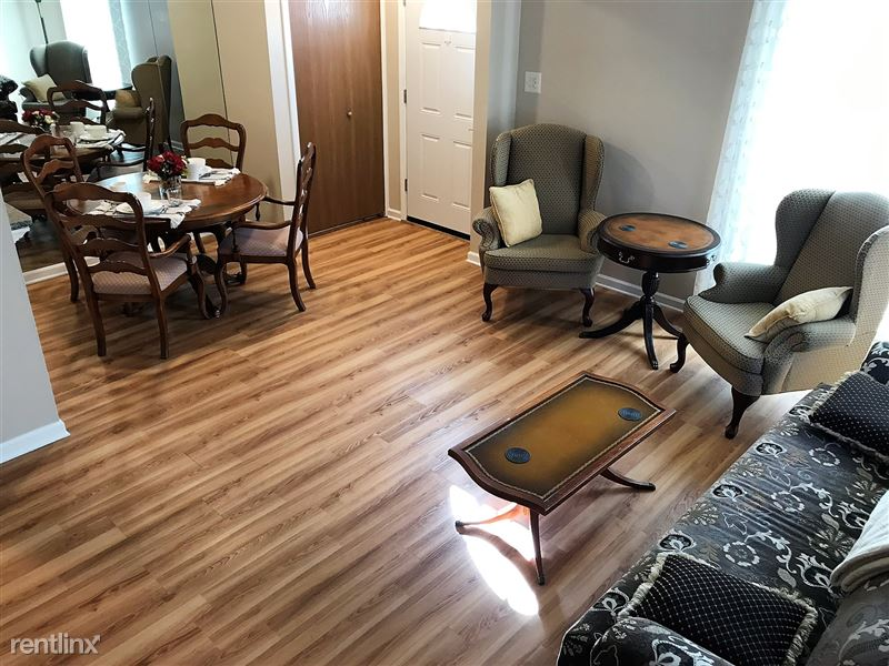 Flex-Lease/Furnished Condo w/ Den and Basement - 3 - IMG_0351