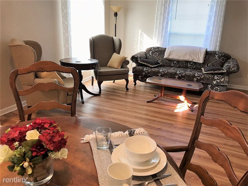 Flex-Lease/Furnished Condo w/ Den and Basement - 5 - IMG_0310