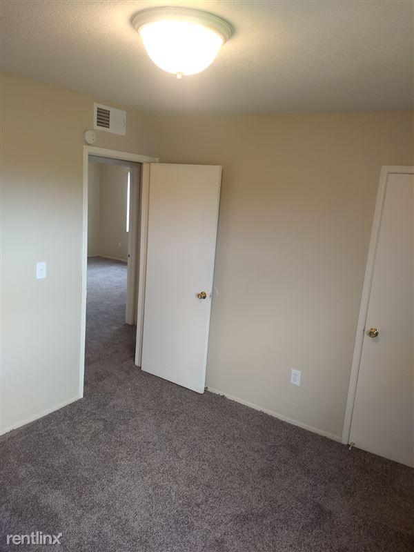 Knob Hill Apartments - 5 - Bedroom 2