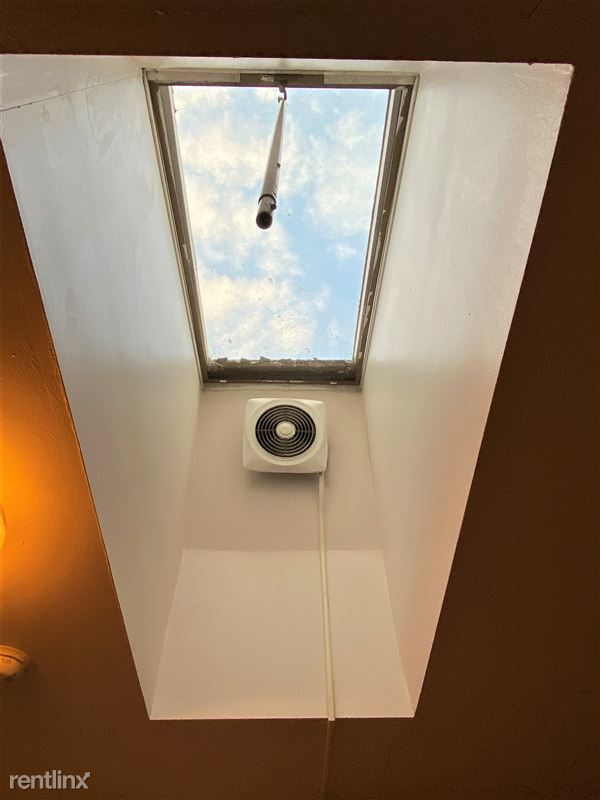 Colonial - 13 - Colonial 210 skylight