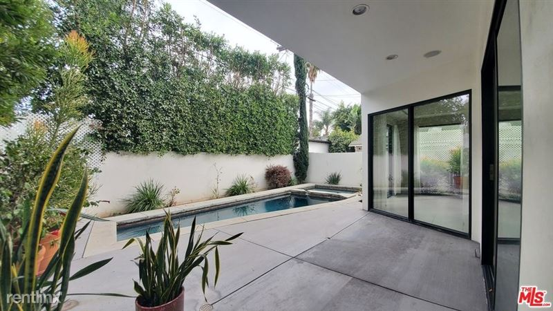 536 N Crescent Heights Blvd, Los Angeles, CA 90048 - 4 Bed, 4 Bath Single-Family Home For Rent - MLS# 20668098 - 49 Phot - 40 -