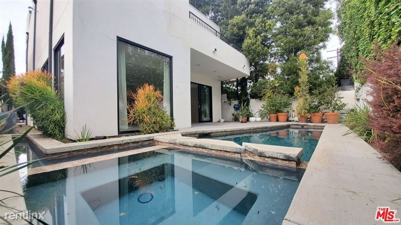 536 N Crescent Heights Blvd, Los Angeles, CA 90048 - 4 Bed, 4 Bath Single-Family Home For Rent - MLS# 20668098 - 49 Phot - 43 -