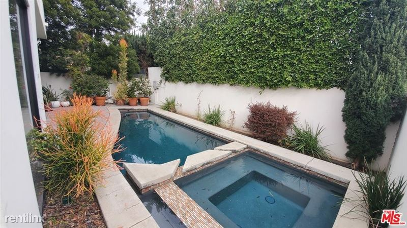 536 N Crescent Heights Blvd, Los Angeles, CA 90048 - 4 Bed, 4 Bath Single-Family Home For Rent - MLS# 20668098 - 49 Phot - 45 -