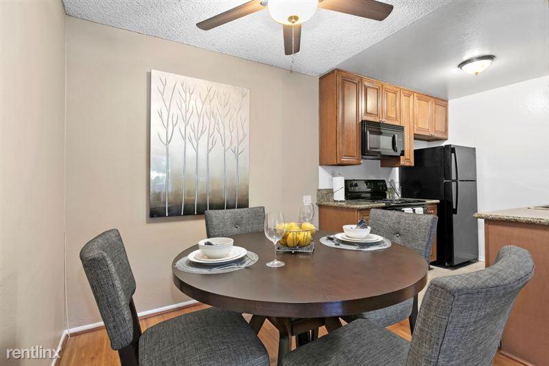 Vista Apartments - 3 - 15_1181WashingtonPl_IMG_6459Web