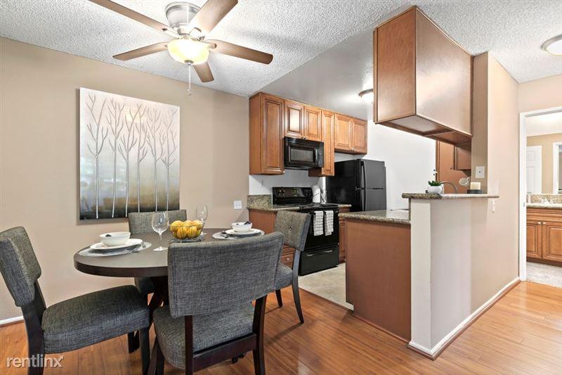 Vista Apartments - 4 - 20_1181WashingtonPl_IMG_6521Web