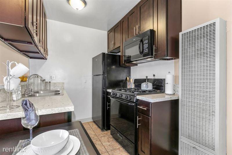 Riverside Villas Apartments - 10 -
