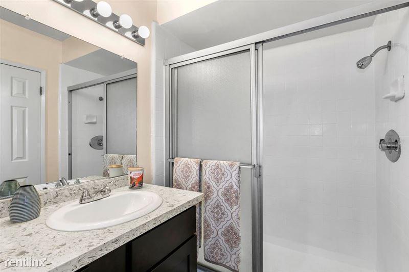 Riverside Villas Apartments - 16 -