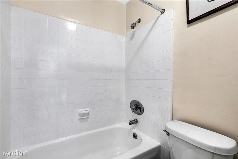 Riverside Villas Apartments - 18 -