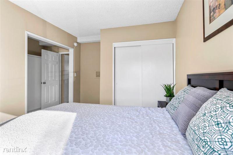 Riverside Villas Apartments - 21 -