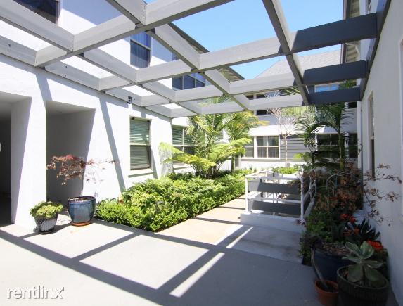 Crescent Hill Lofts - 7 - courtyard 2