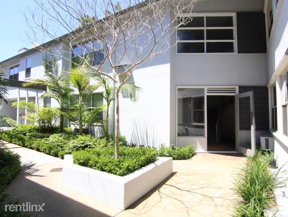 Crescent Hill Lofts - 9 - courtyard