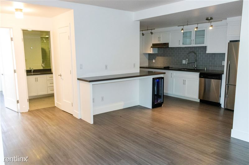 One Thirty One Maple - 2 - 205 Maple kitchen area