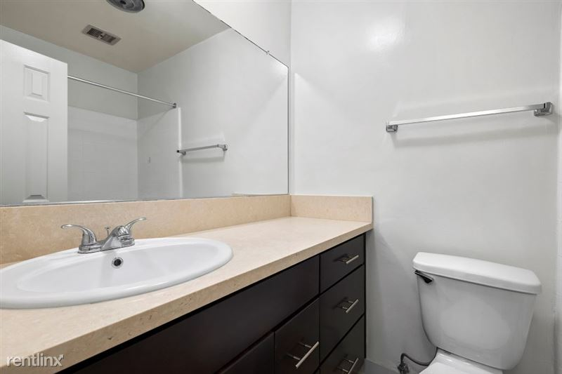 Riverside Villas Apartments - 7 -