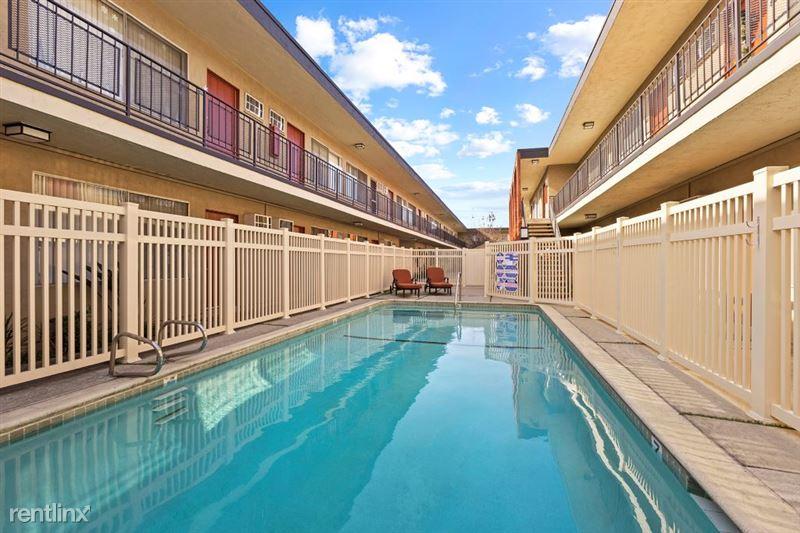 Riverside Villas Apartments - 11 -
