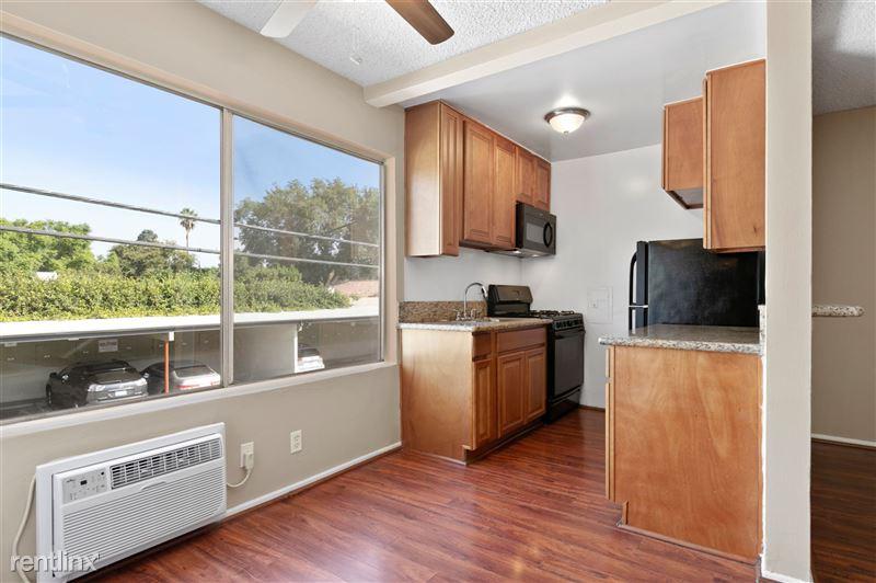 Riverside Villas Apartments - 25 -